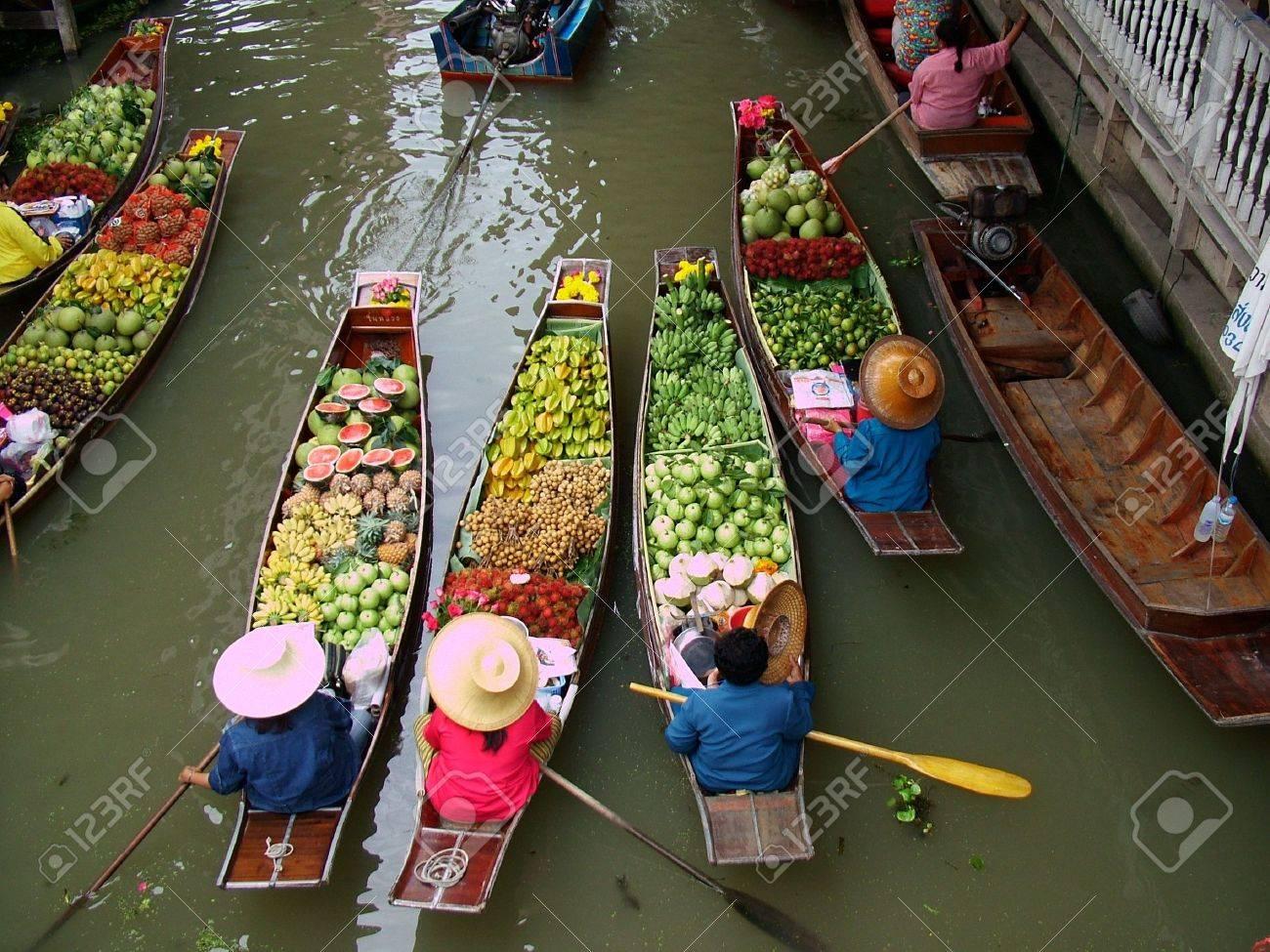 Floating Market in Bangkok 3 Stock Photo - 612769