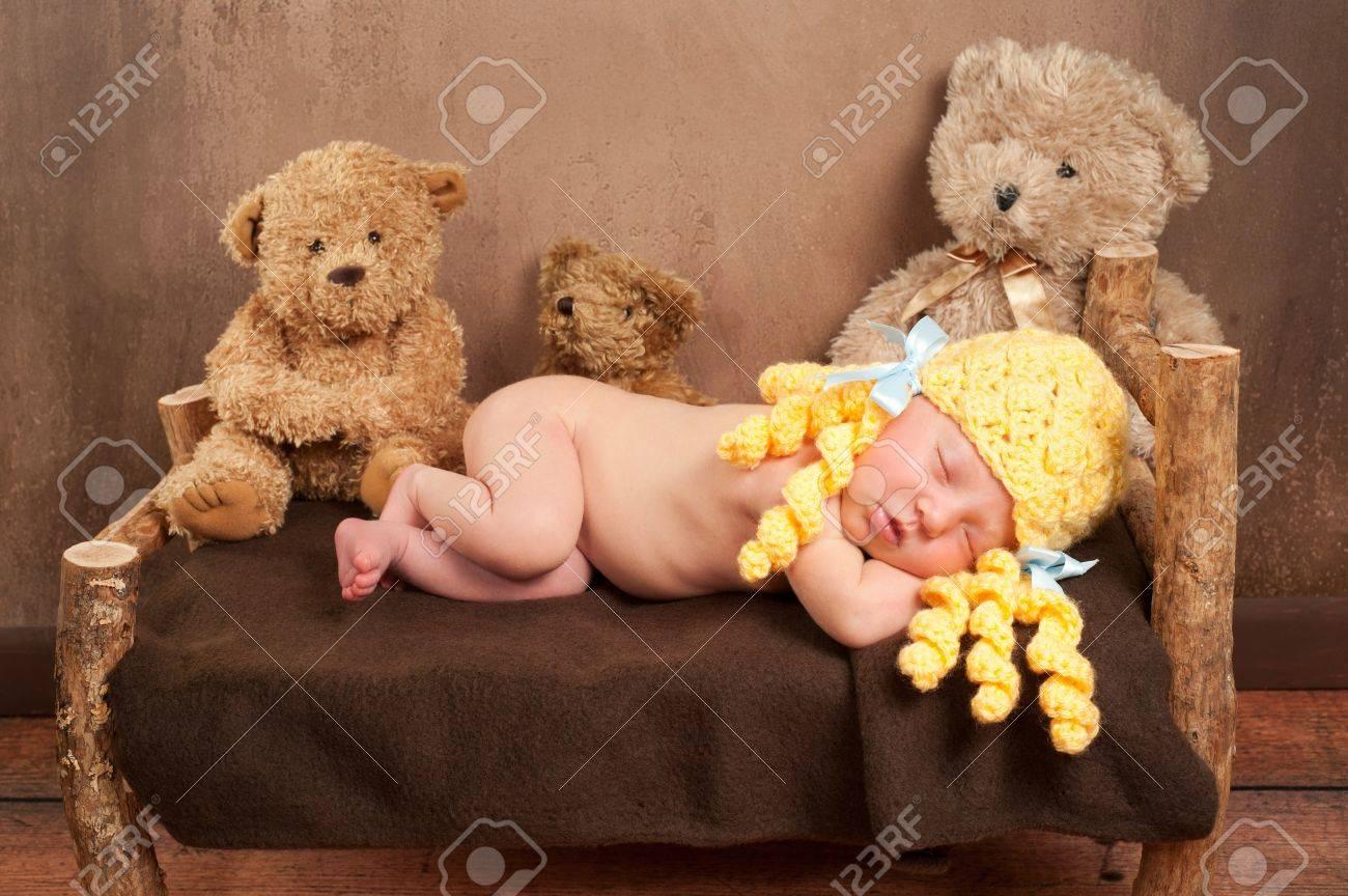 Newborn Baby Girl Wearing a Goldilocks Costume Stock Photo - 17077678