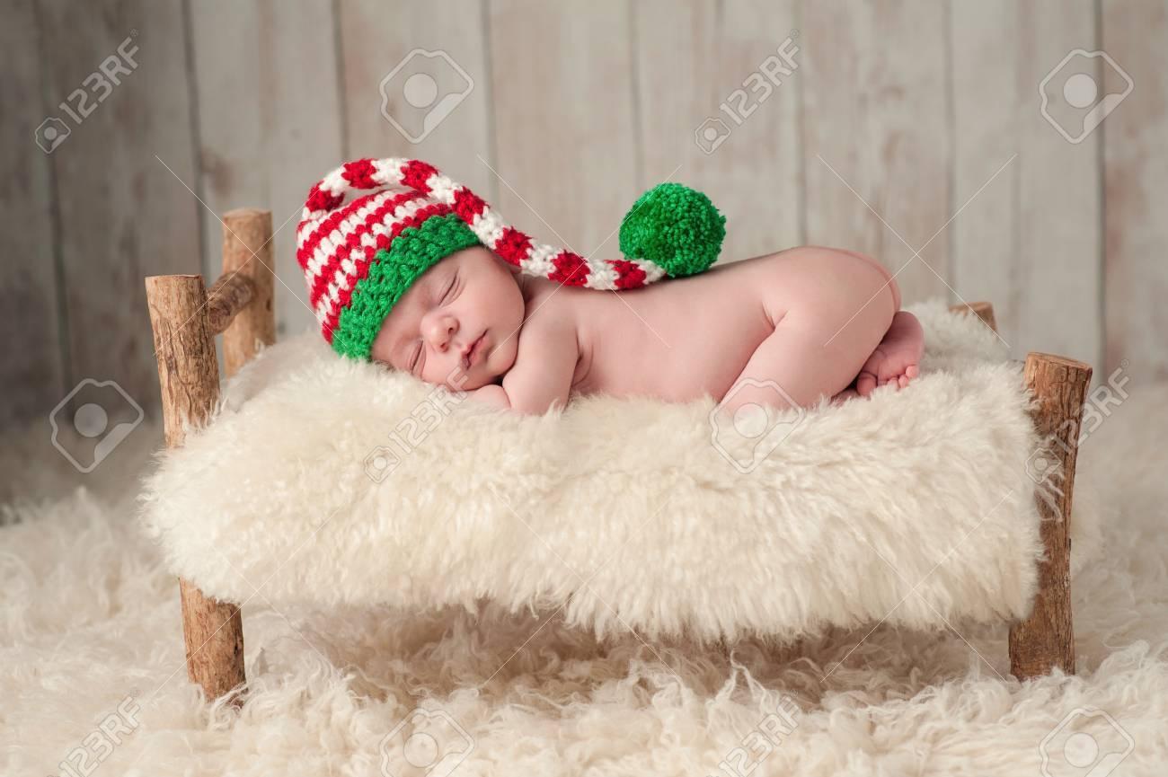 Drei Wochen Alten Neugeborenen Baby, Das Ein Rot, Weiß Und Grün ...