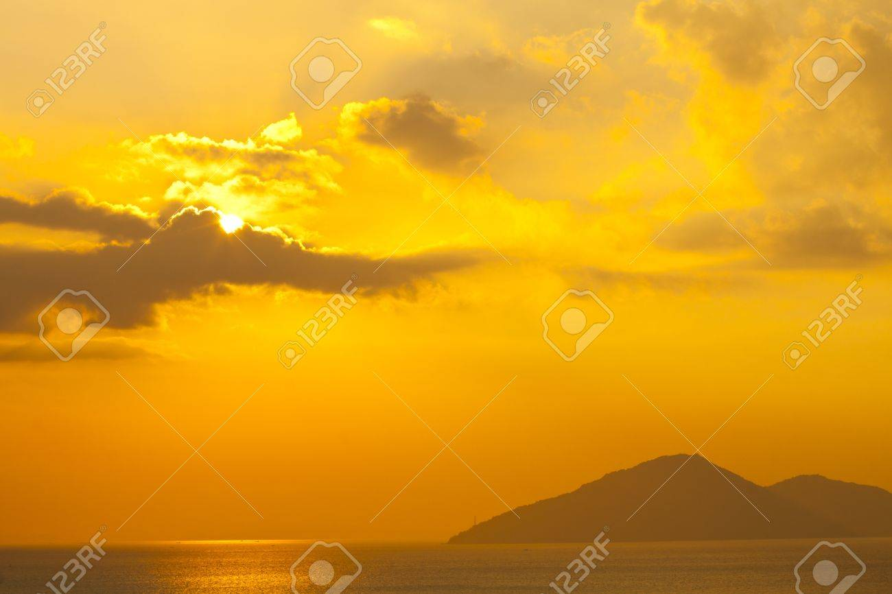 Sunset over the ocean in Hong Kong Stock Photo - 12197437