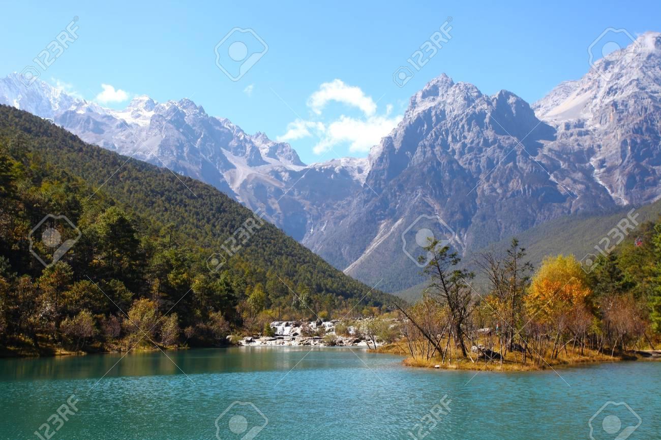 Mountain landscape in Lijiang, China. Stock Photo - 16394925