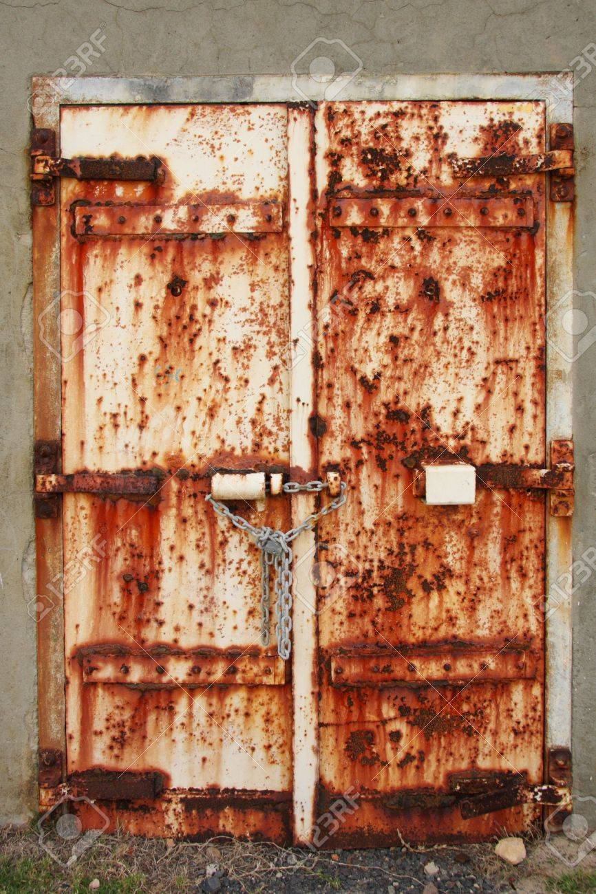 Old rusted doors chained and padlocked shut Stock Photo - 5573099 & Old Rusted Doors Chained And Padlocked Shut Stock Photo Picture And ...