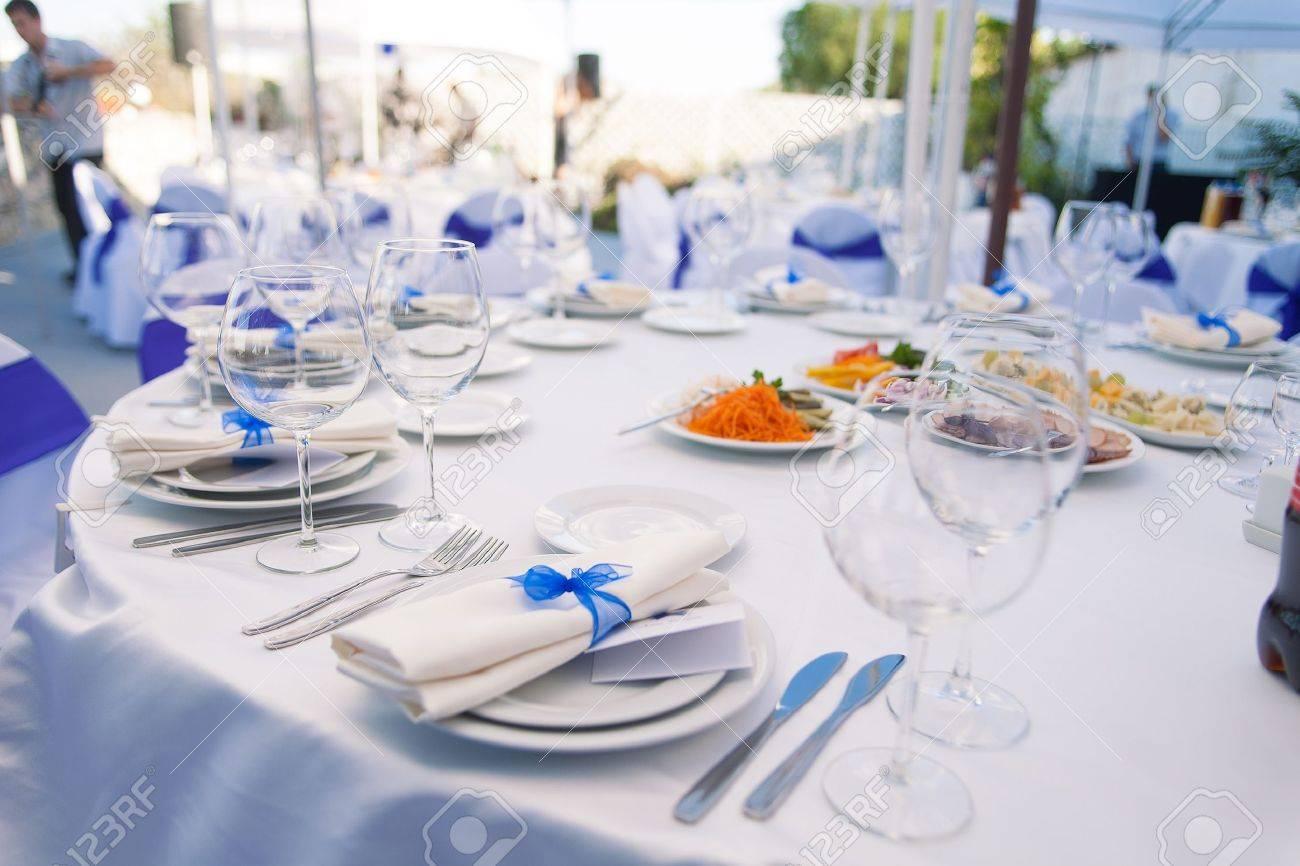 Wedding banquet table - 17664707