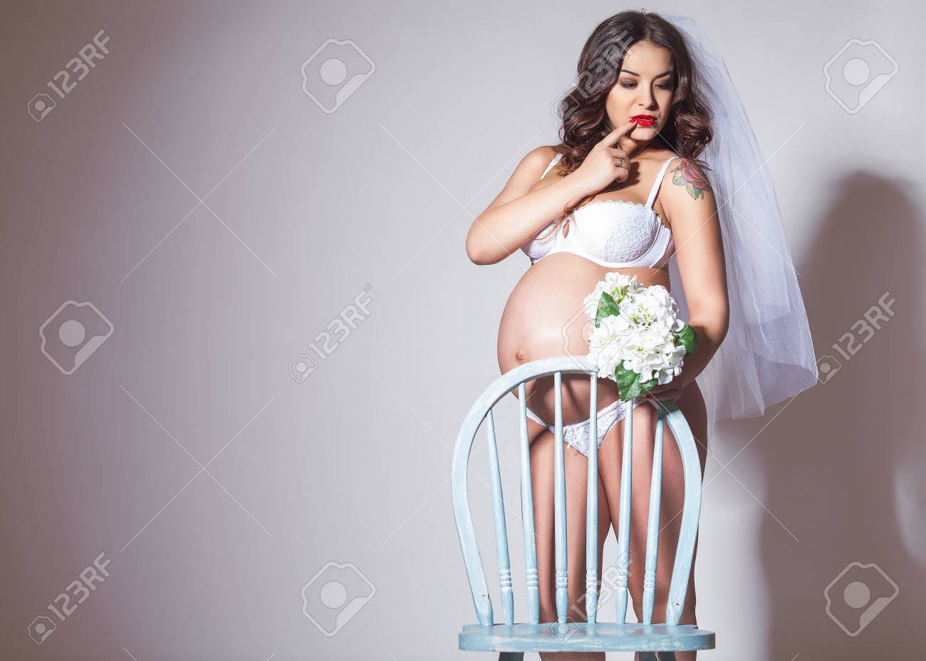 Sexy schwangere Braut