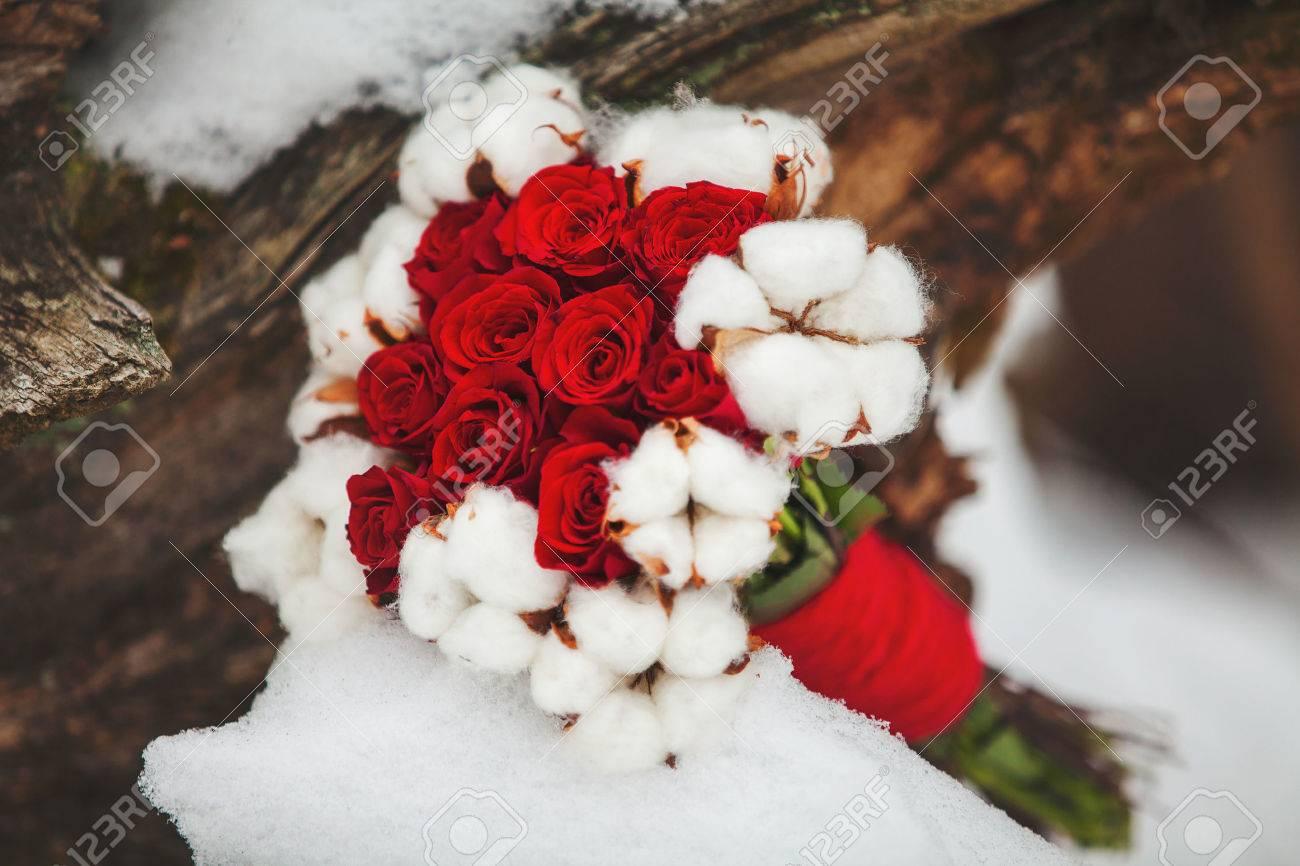 Winter Hochzeitsstrauss Lizenzfreie Fotos Bilder Und Stock