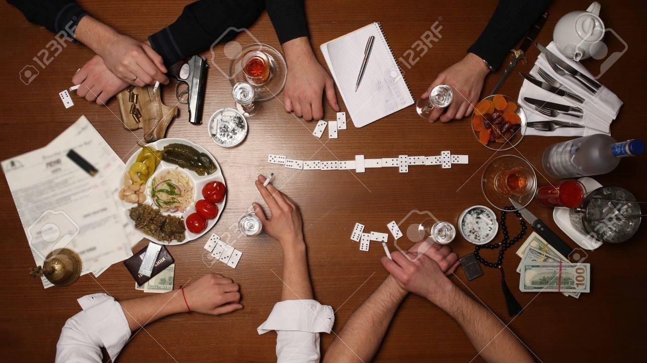 Personas Jugando Domino Juegos De Azar Juegos De Mesa Partido De