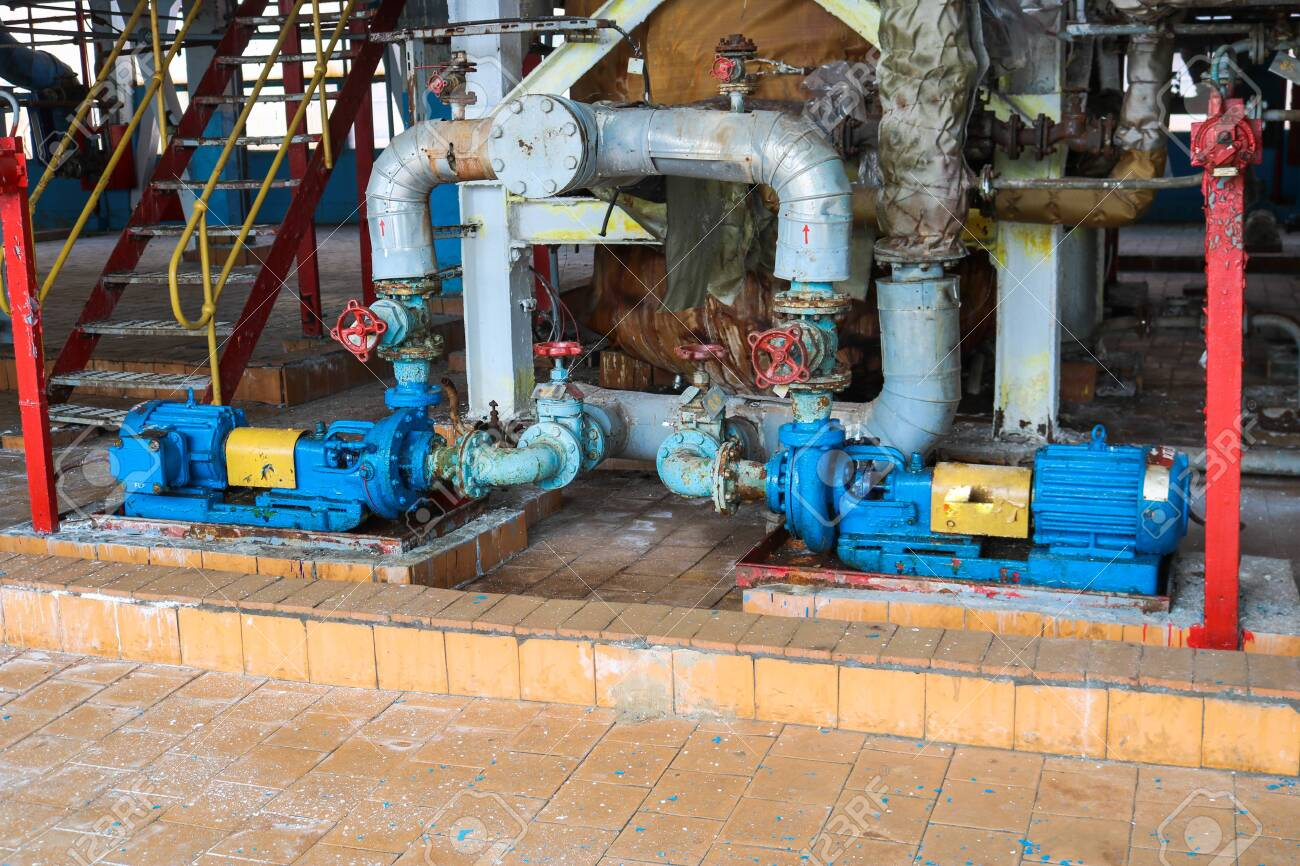 Iron metal centrifugal pumps equipment and pipes with flanges