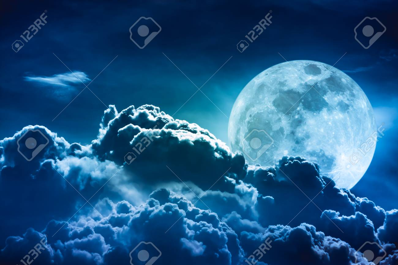 Super moon  Attractive photo of background night sky with cloudy