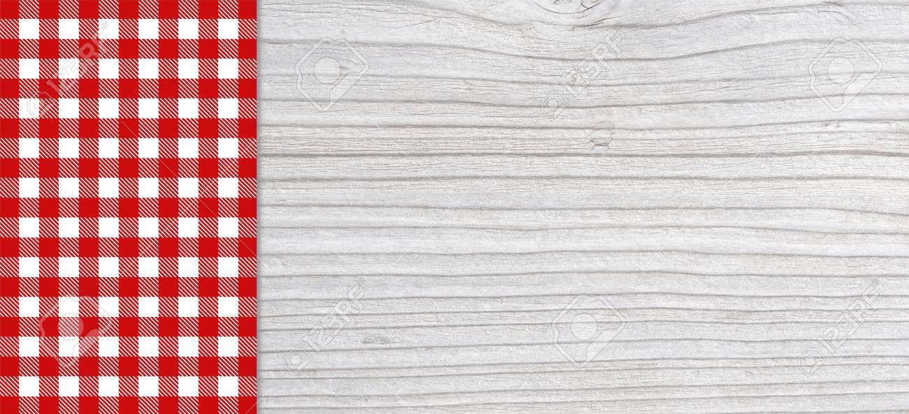planche de bois gris clair traditionnelle avec espace copie et nappe