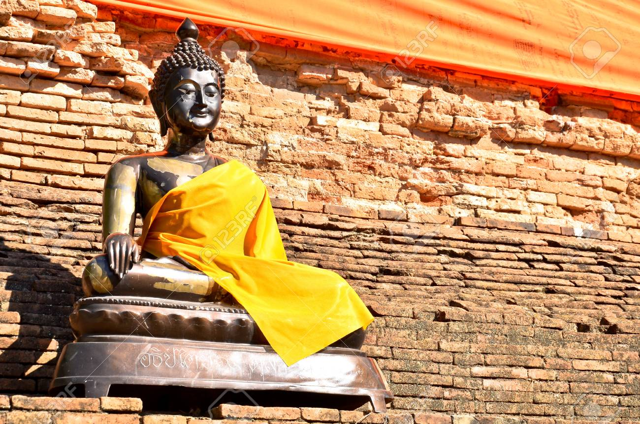 old Buddha statue in temple at Ayutthaya, Thailand Stock Photo - 17008941