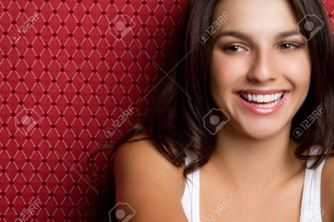 Beautiful smiling young woman - 6990984