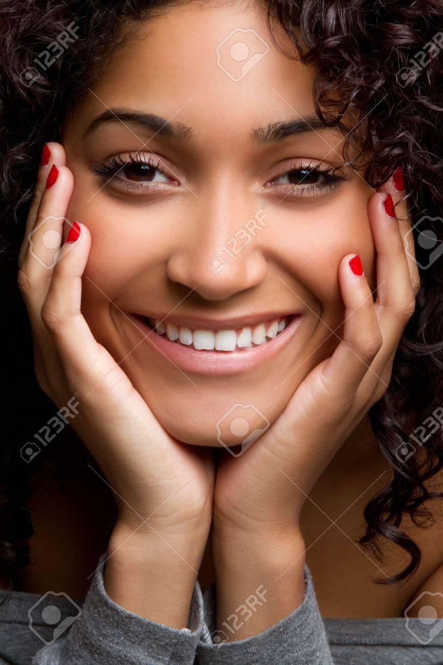 Beautiful black woman smiling portrait - 6990977