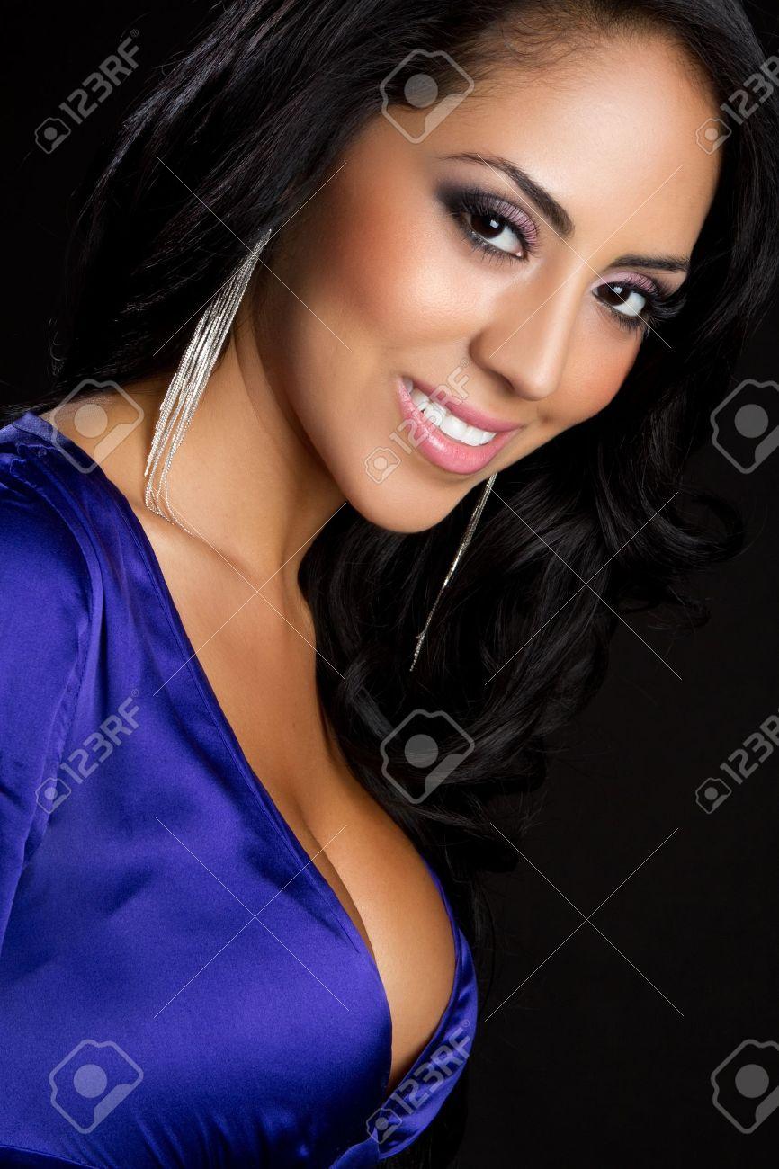 Beautiful smiling young latina woman - 9466118