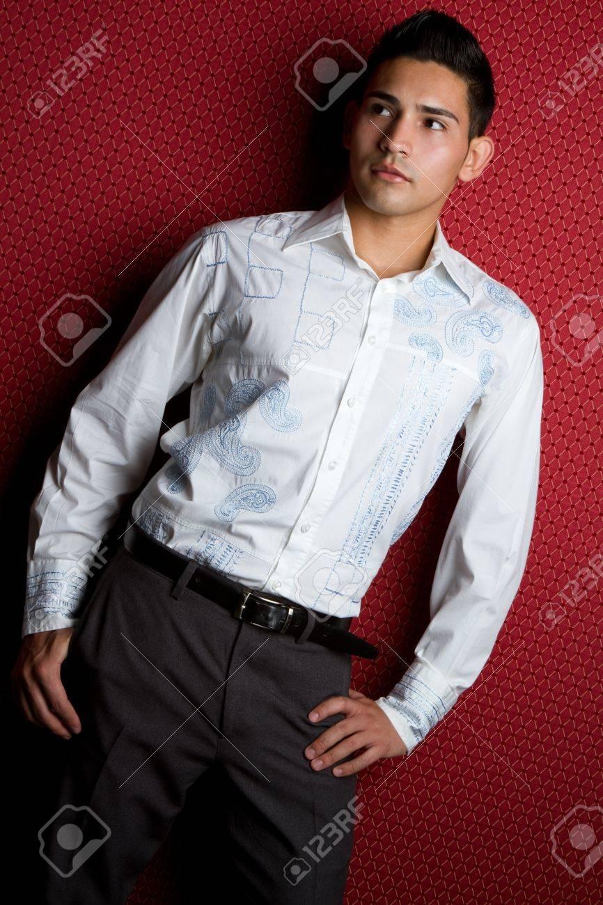 Hispanic fashion man posing Stock Photo - 11215882