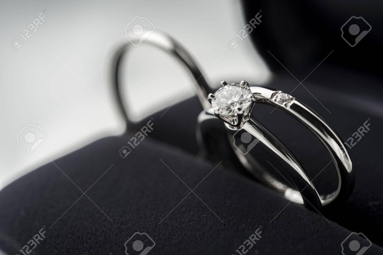 wedding ring - 78003532
