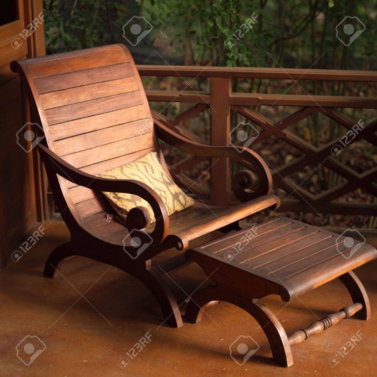 Merveilleux Malpais In Costa Rica,Empty Wooden Lounge Chair Stock Photo   2334766
