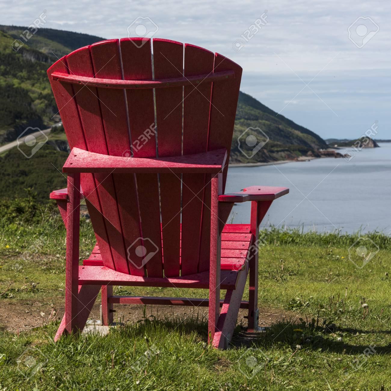 adirondack-stuhl an der küste, petit etang, kap-breton-hochland