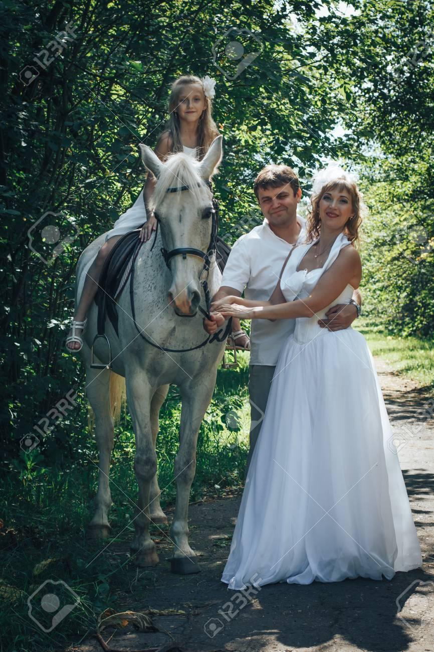 Imagenes de una mujer vestida de novia