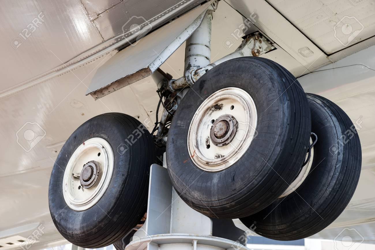 Landing gear at aircraft graveyard - 121689310