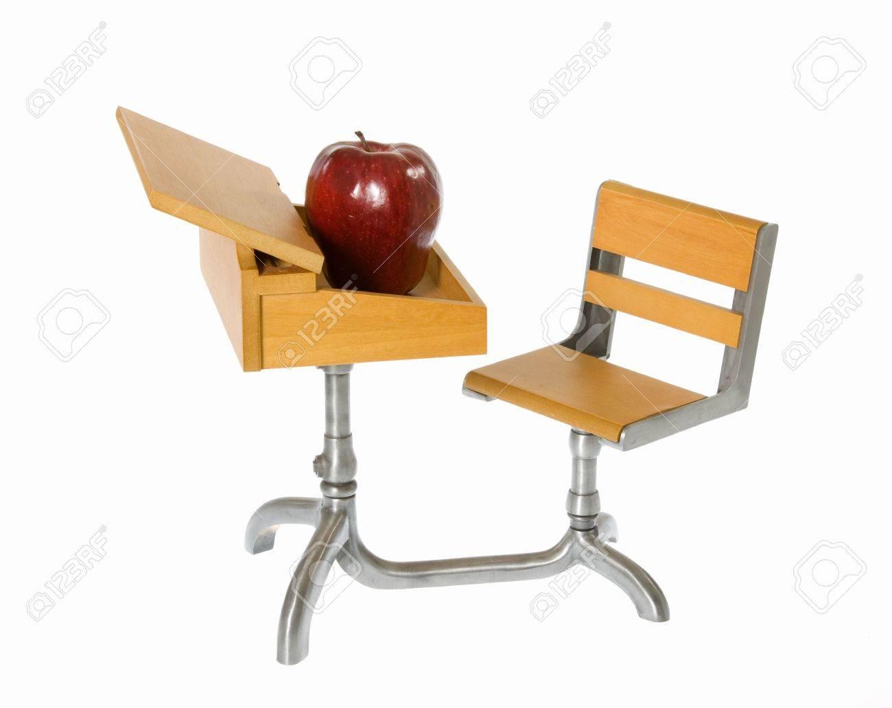 Le Blanc Chaise D'école Miniature Pour Bois EnfantBureau En BureauIsolé Jouet Avec Et Sur Connectée Pomme HW92YEDI