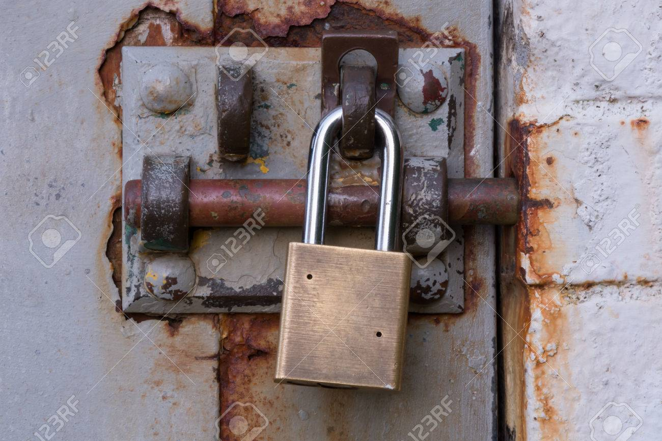 Padlock on Rusty Bolted Door Close Up Stock Photo - 84655343 & Padlock On Rusty Bolted Door Close Up Stock Photo Picture And ...