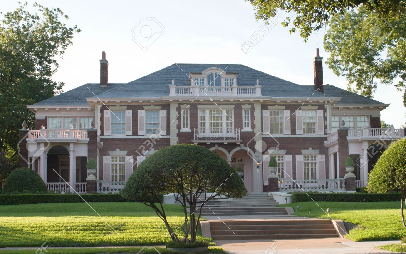 Large Two Story Colonial Style House In An Urban City Residential