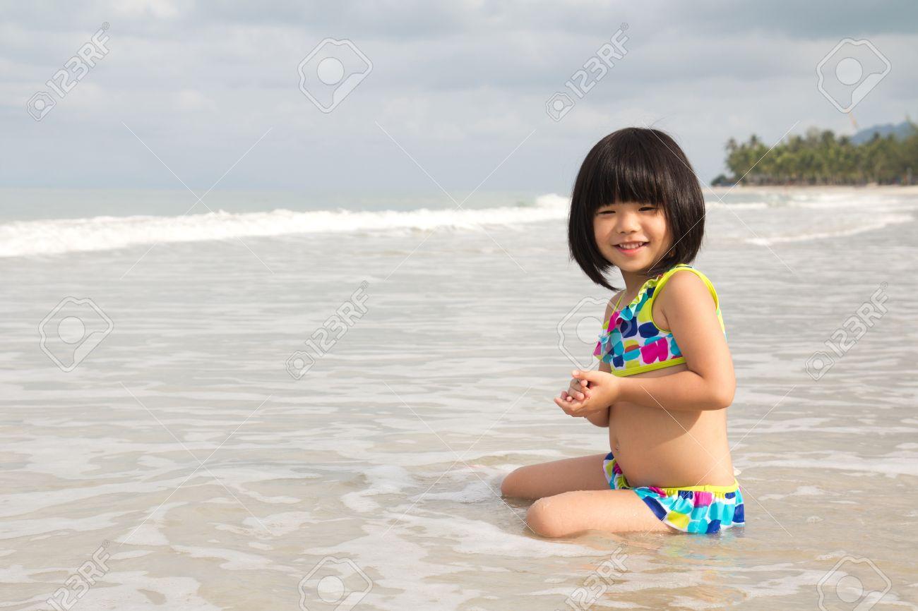 123RF bikini kidz