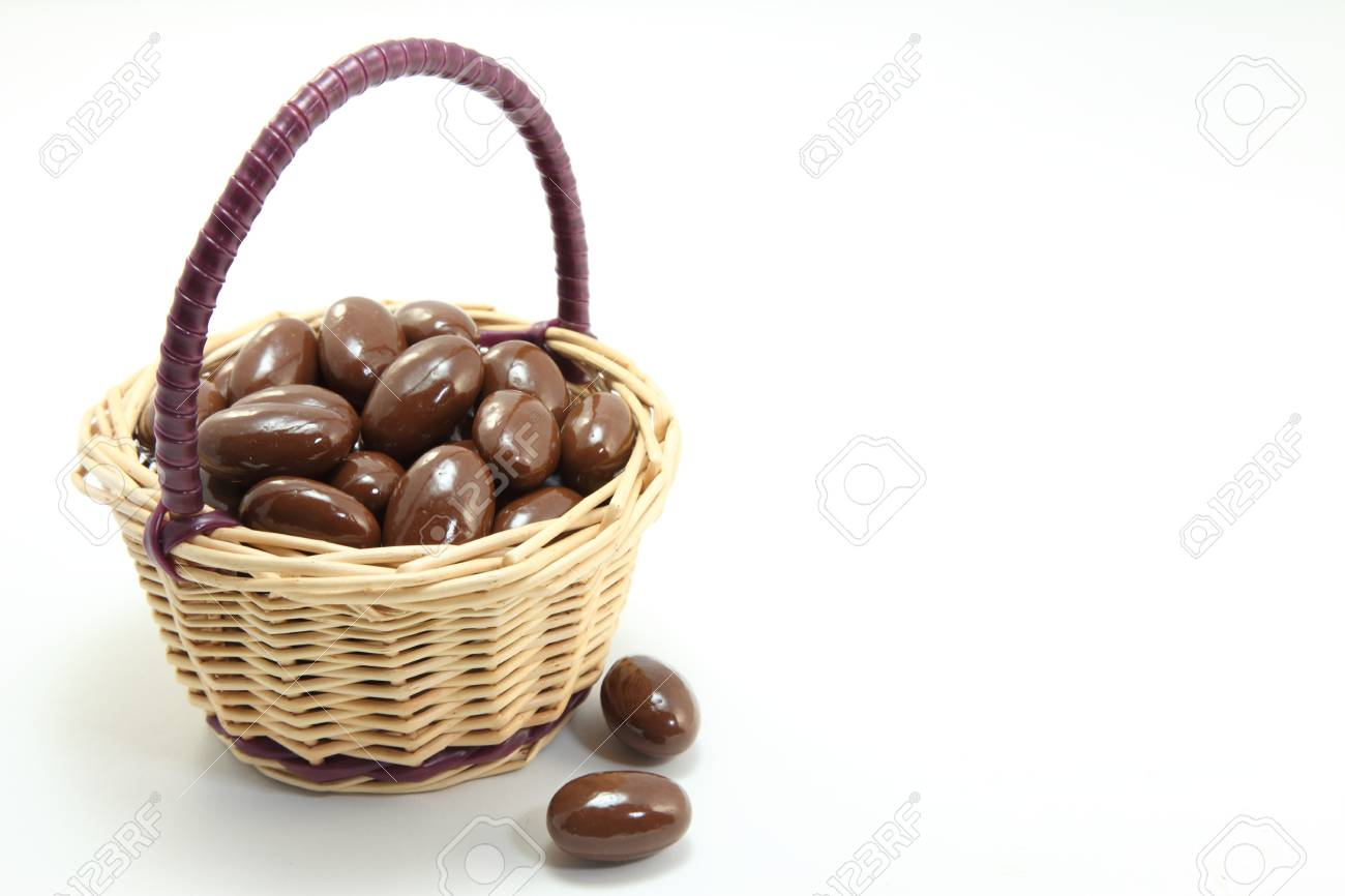 I tried to express the cuteness is a chocolate with a small basket Stock Photo - 12869285