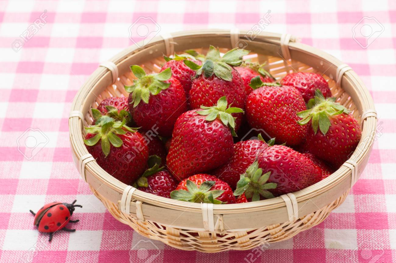 strawberry that was served in a bamboo basket Stock Photo - 18942797
