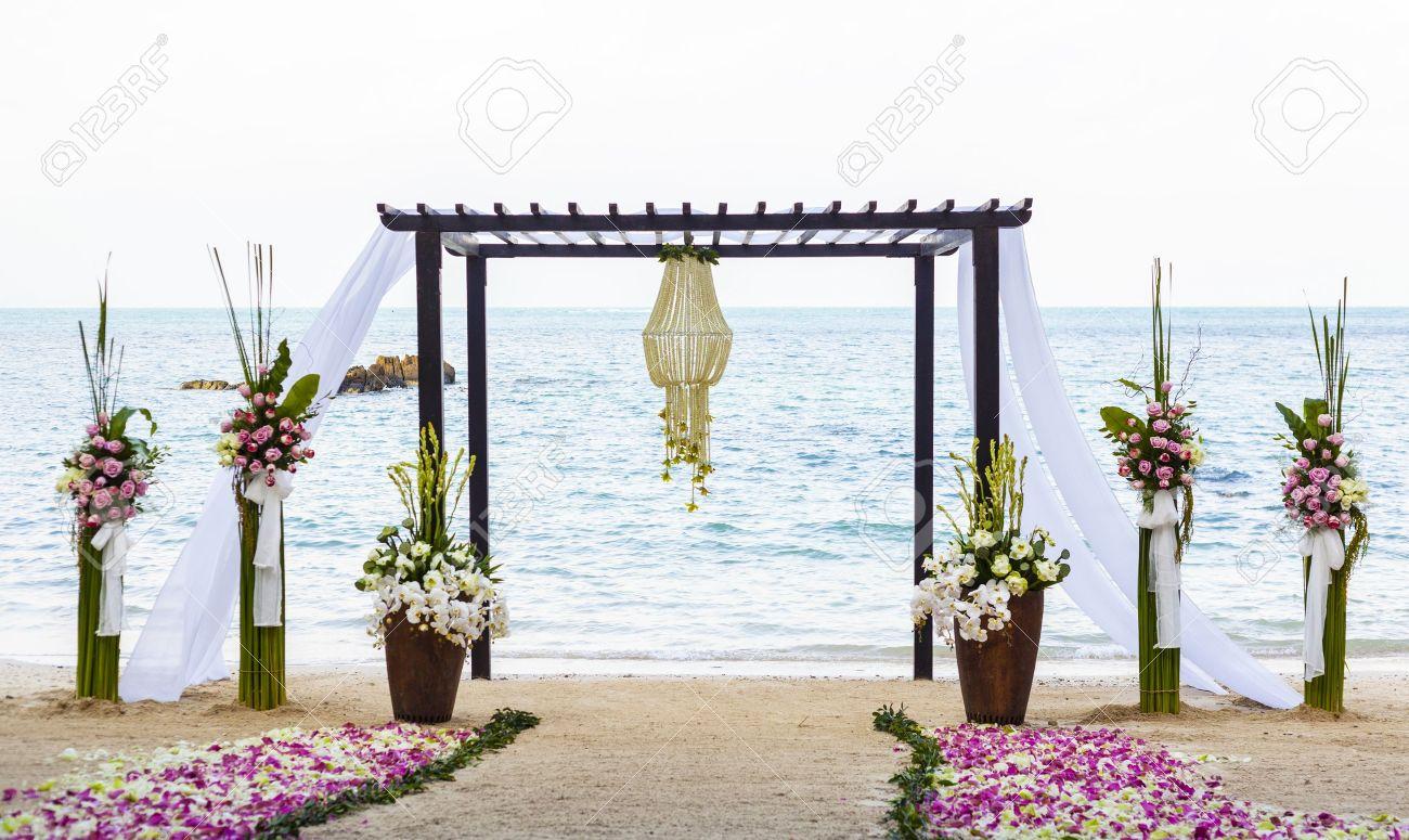 Wedding on the beach - Wedding On The Beach Stock Photo 19172614