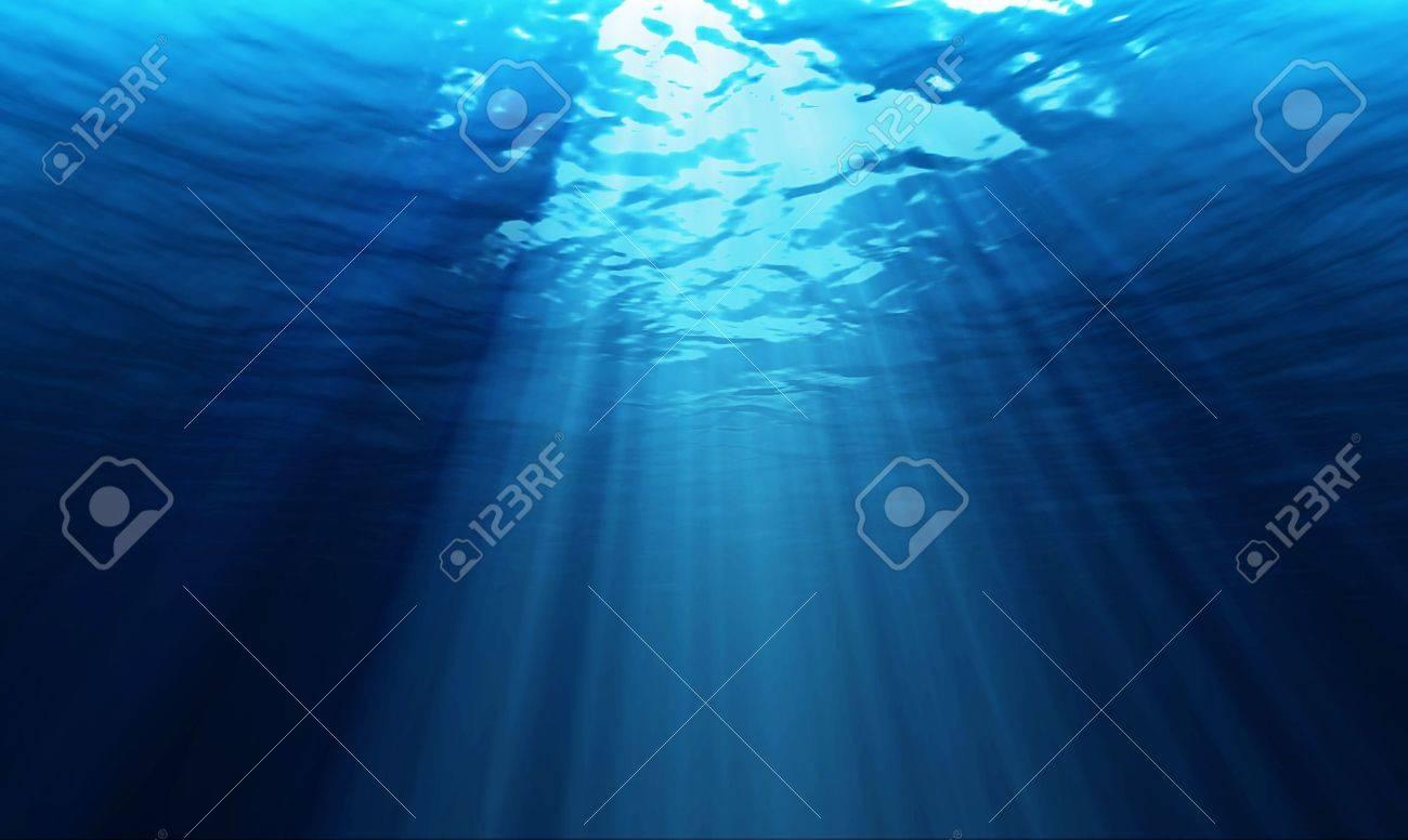 light underwater - 13321997