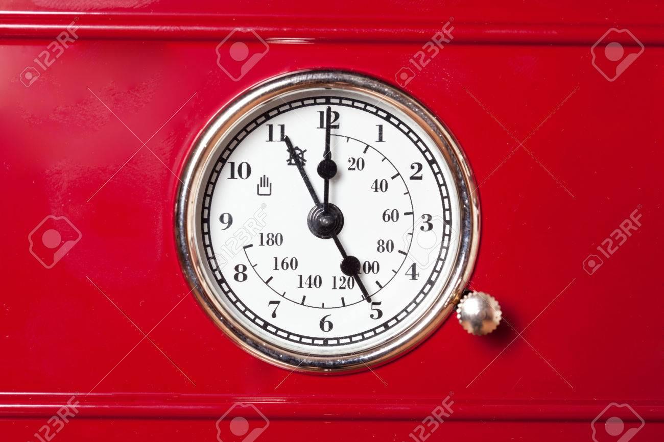Thermometer Küche   Stilvollen Retro Thermometer Fur Ofen In Der Kuche Mit Schonen Roten