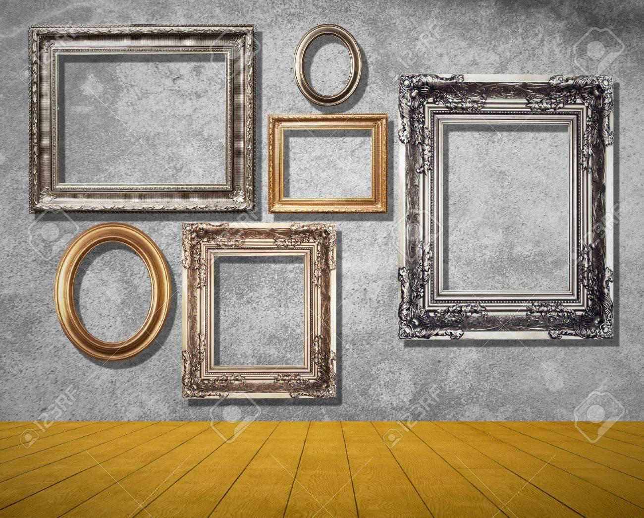 Frames auf grung Wand im Zimmer. Standard-Bild - 20144002