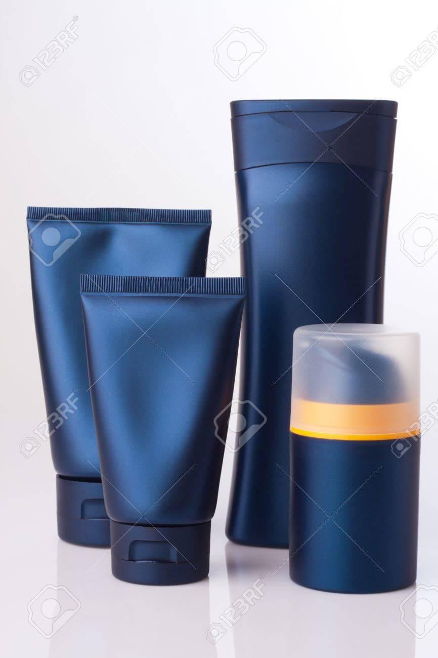 blank kosmetische Tube und Flasche auf weißem Standard-Bild - 20143970