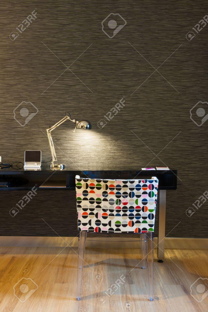 mini working corner in modern style hotel room, Bangkok, Thailand. Standard-Bild - 29238570