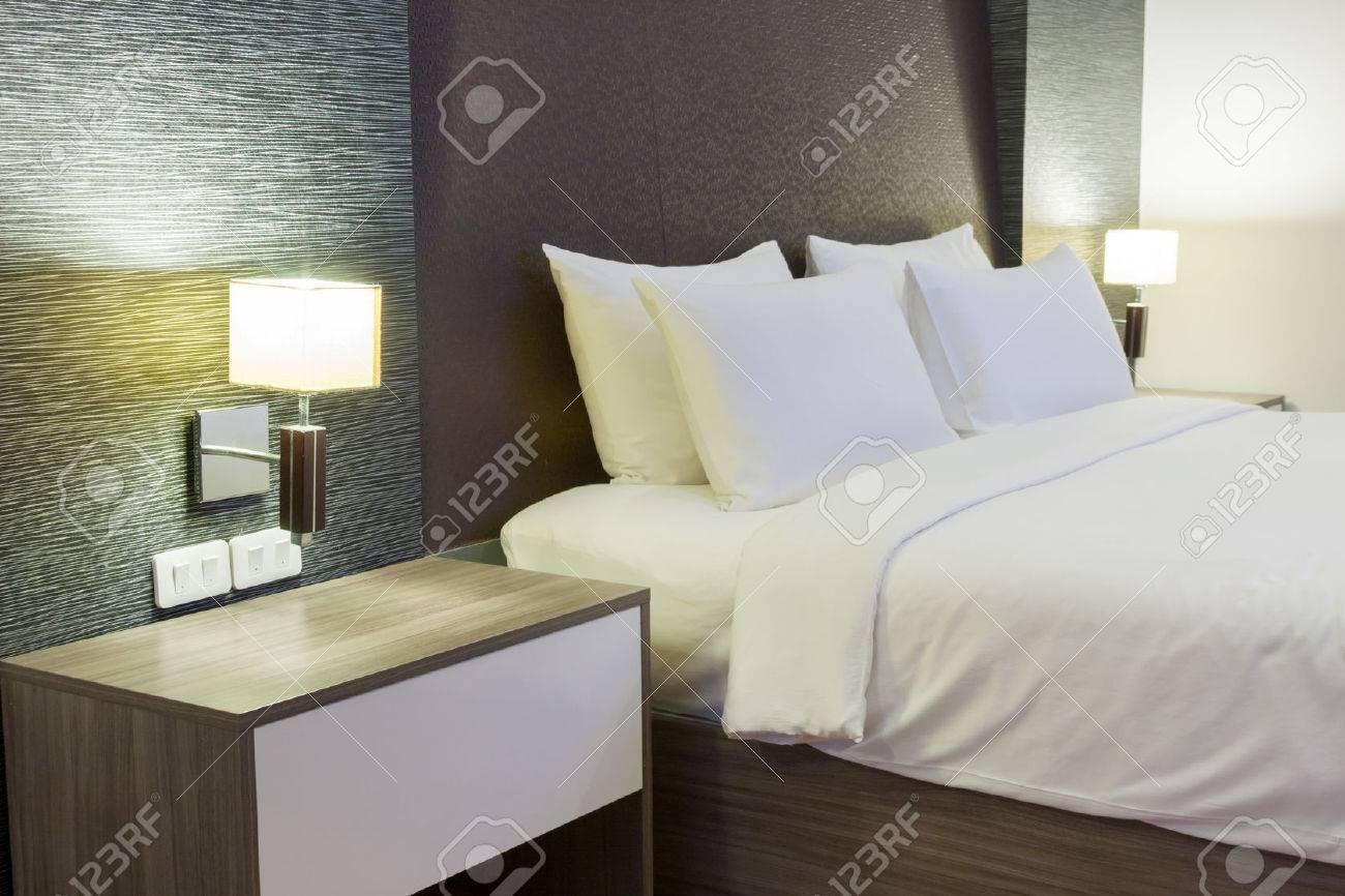 luxury modern hotel room, Bangkok, Thailand. Standard-Bild - 29256726