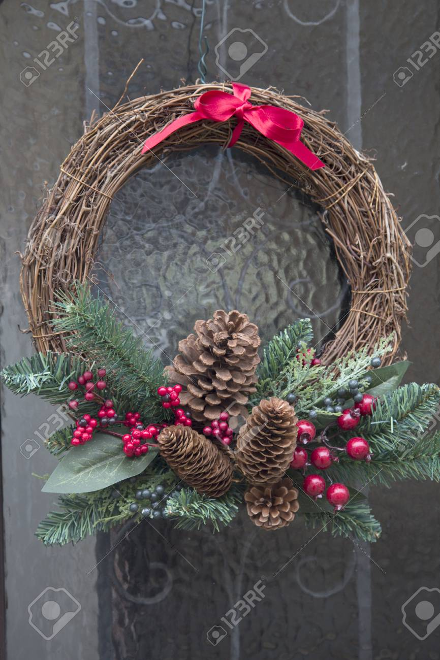 Christmas Reef.Christmas Reef With Pine Cone