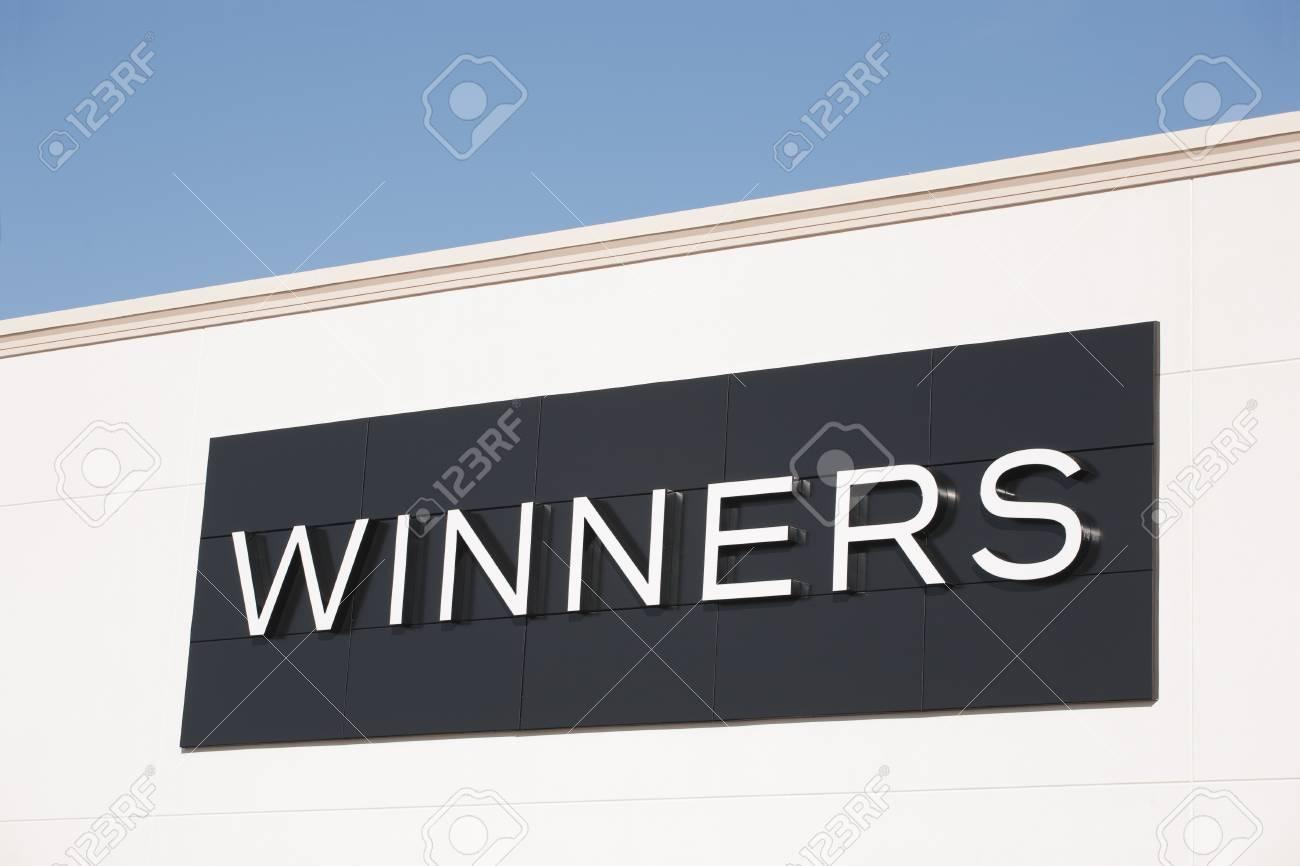timeless design 77d57 a52b4 TRURO, CANADA - 23 Gennaio 2015: i vincitori è una catena di grandi  magazzini canadese, fondata nel 1982, che offre abbigliamento, biancheria  da ...