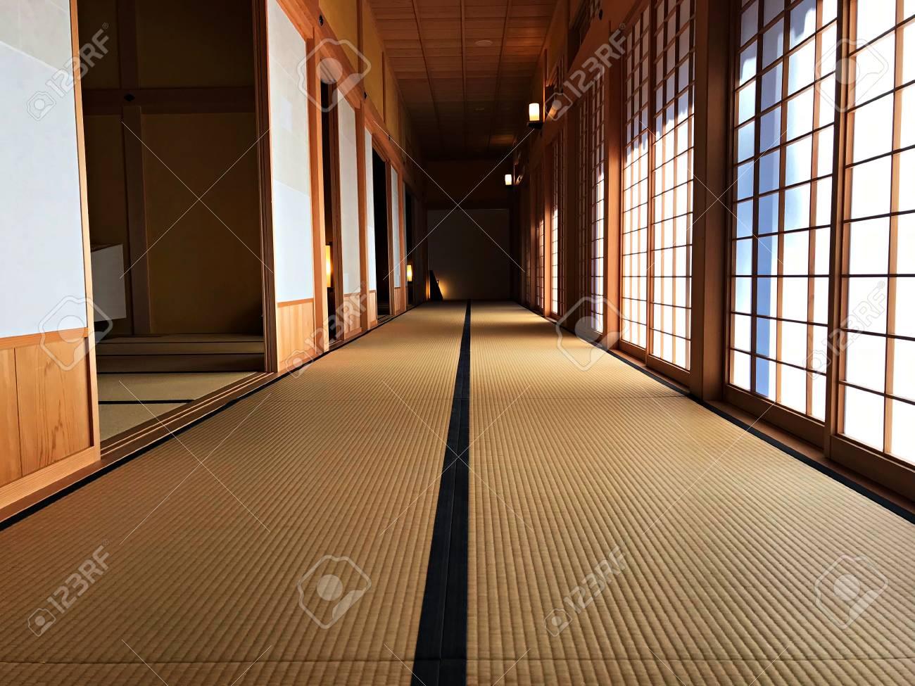 Interieur Maison Japonaise Traditionnelle intérieur de l & # 39 ; aile grecque de la maison traditionnelle japonaise