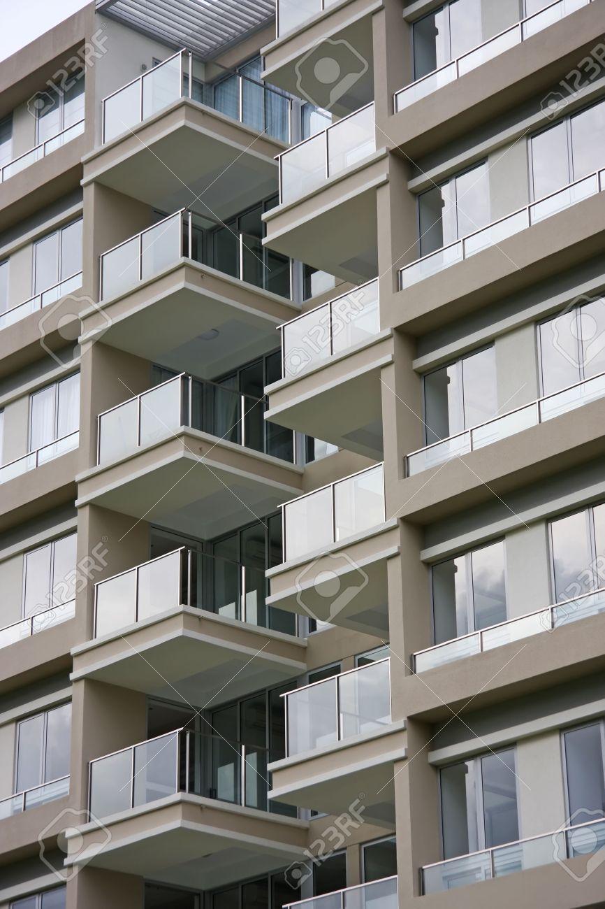 Apartment architecture life photo moderne wohnung grossansicht gebaude aus glas balkone