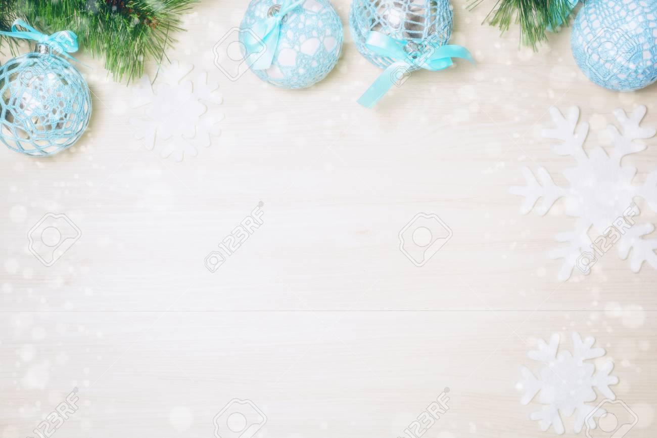 Azul Bolas De Navidad Decorado Con El Patrón De Punto En El Fondo De ...