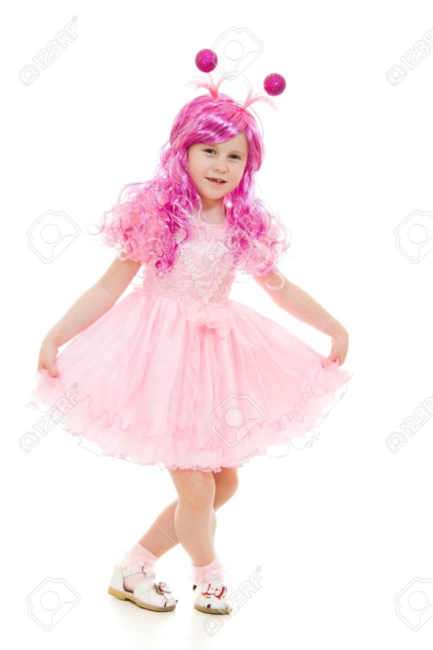 Una Niña Con El Pelo Rosa En Un Baile Vestido De Color Rosa Sobre Un ...