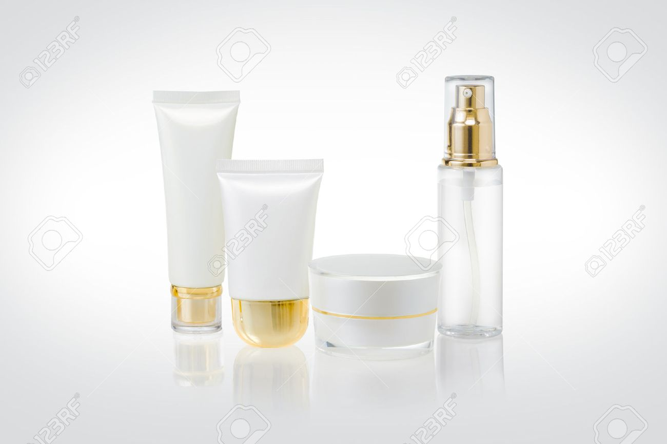 Set of cosmetic containers - 46638176