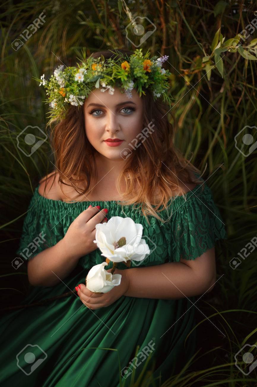 La misteriosa mujer del vestido verde
