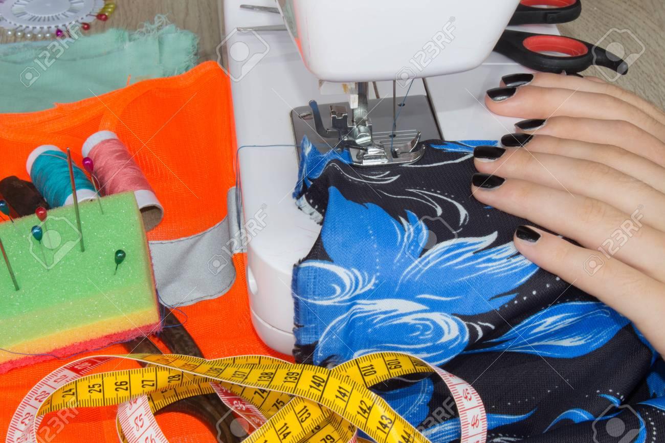 Nähen Prozess Nähen Die Nähmaschine Frauenhände Nähmaschine Und