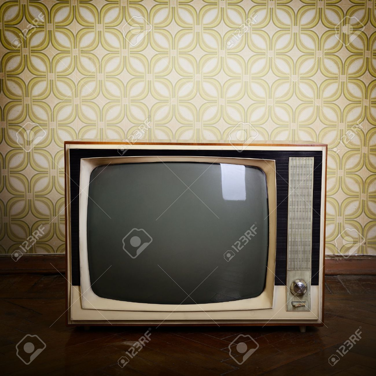 retro tv with wooden case in room with vintage wallper and parquet - 19874116