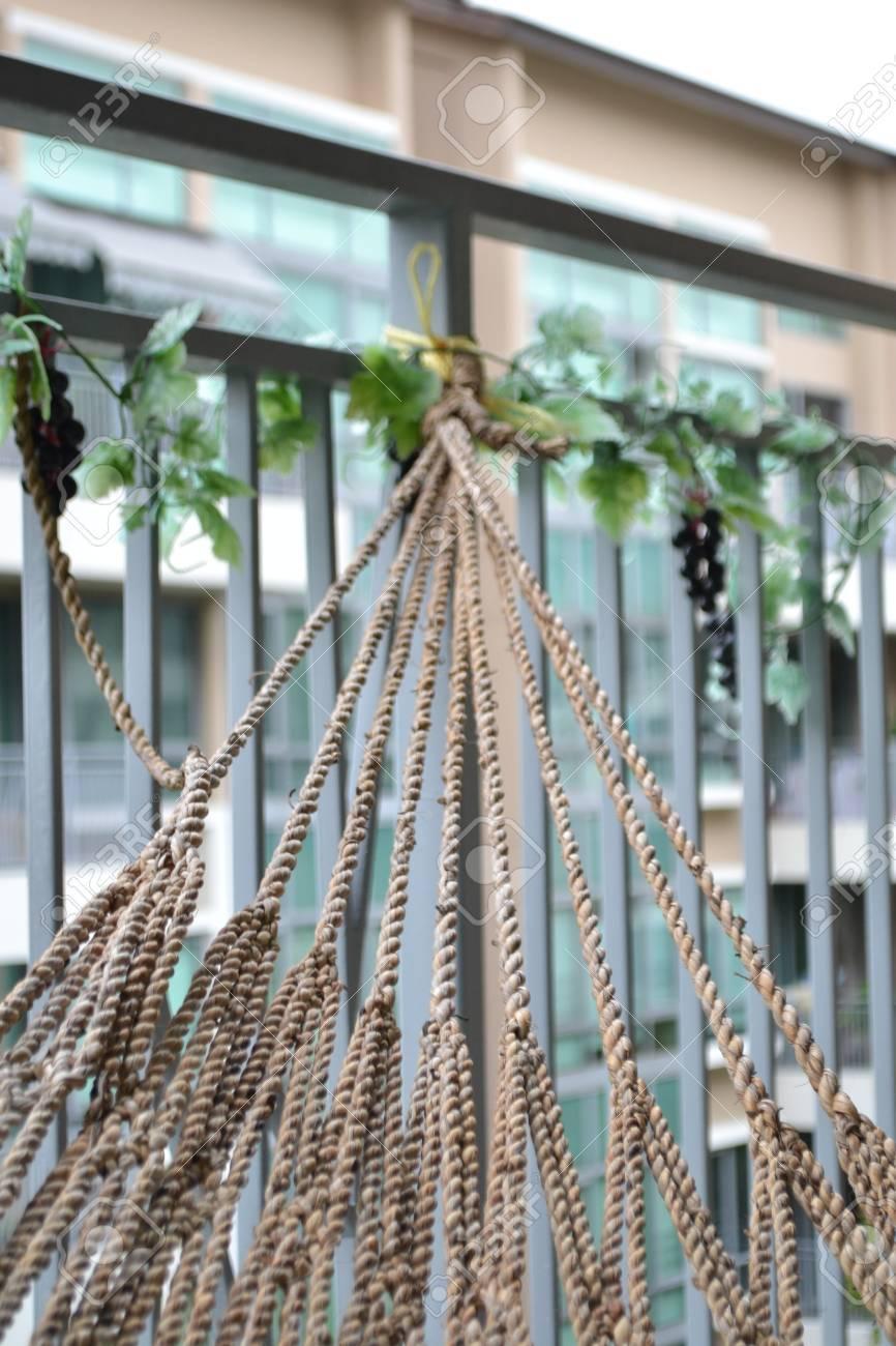 Strings Of Hangematte Auf Dem Balkon Lizenzfreie Fotos Bilder Und