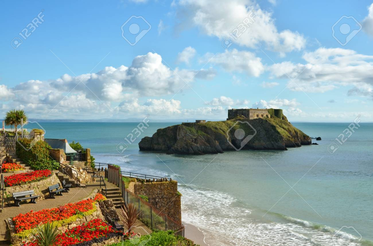 A scenic view from the Welsh mainland, looking across Castle Beach towards St Catherine Stock Photo - 16481033