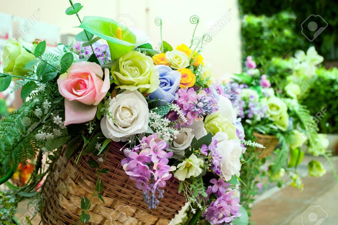 Bouquet De Fleurs Pour La Décoration Organiser Dans La Maison Jardin ...