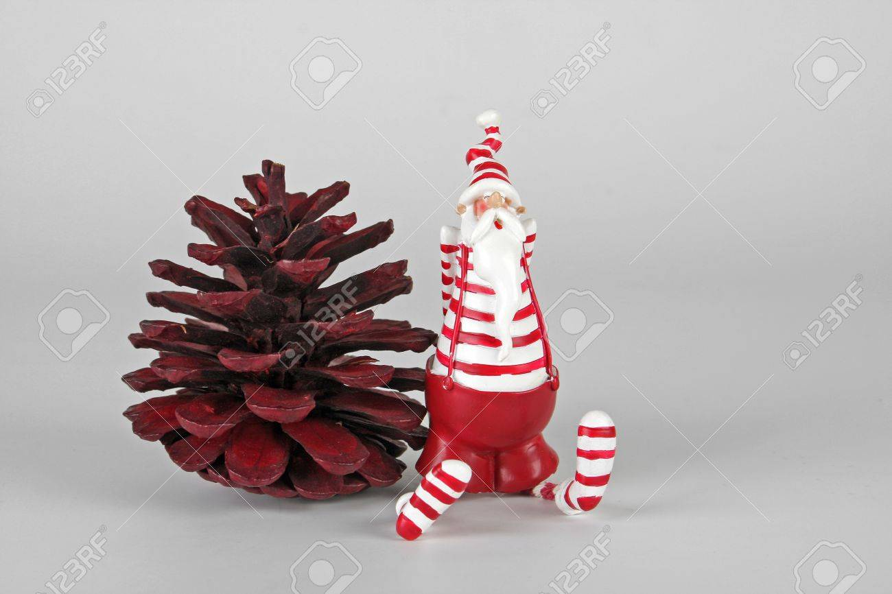 Santa Claus with fir cone Stock Photo - 10223608